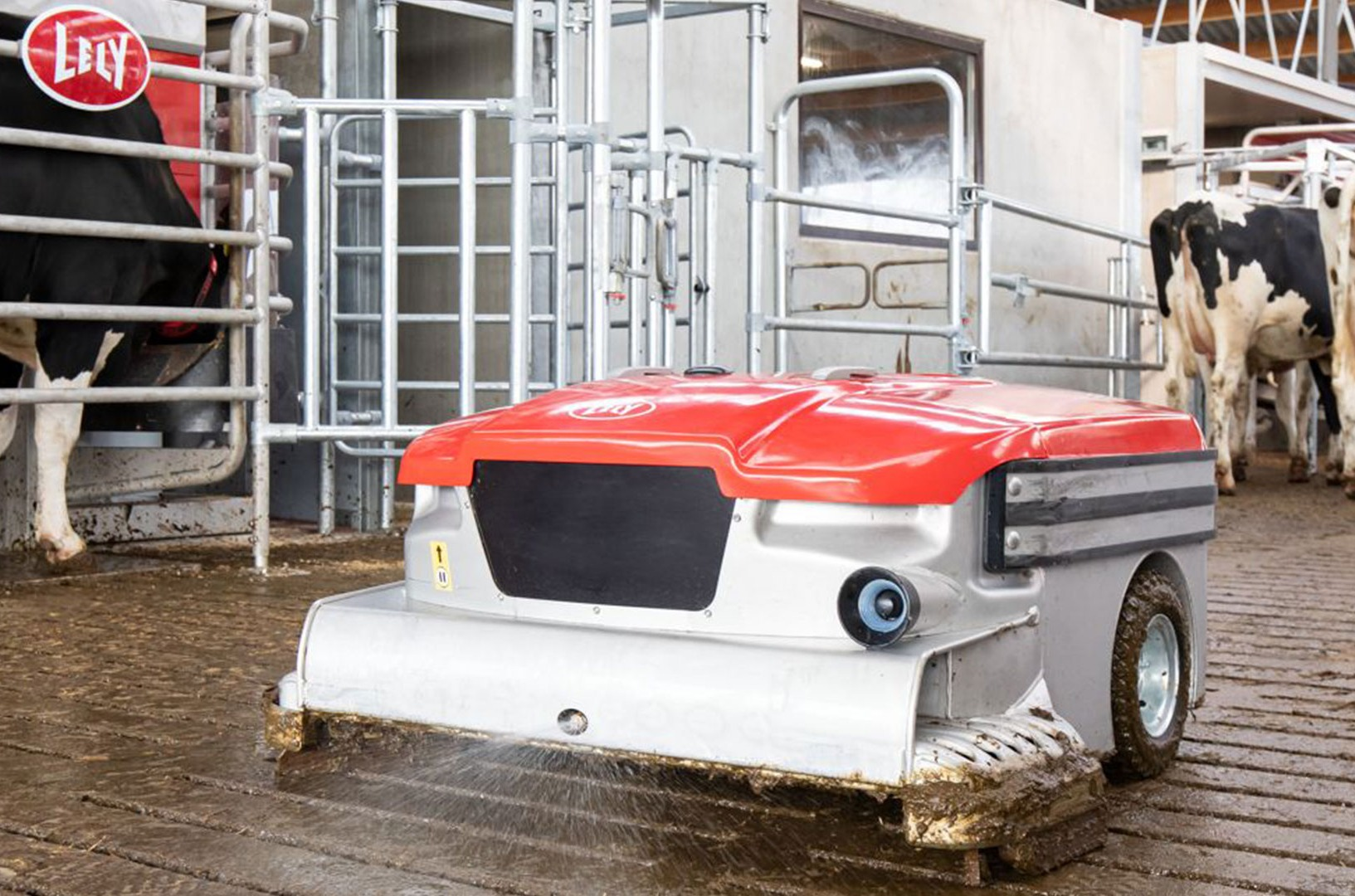 Lely Discovery 120 Collector mobile barn cleaner